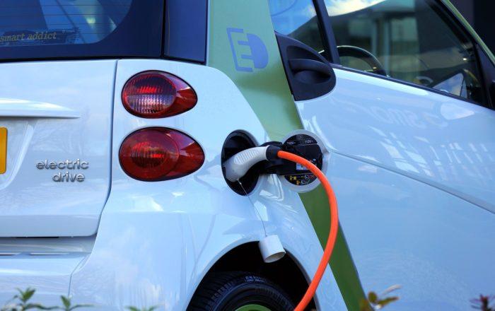 トライブリッドとは? 大容量のEV・PHV内蔵電池も蓄電池に利用できる!という記事中のイメージ画像です。