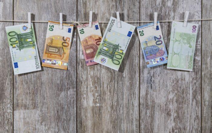 「家庭用蓄電池の値段はどれくらい?金額を決める要素を確認 」という記事中のイメージ画像です。